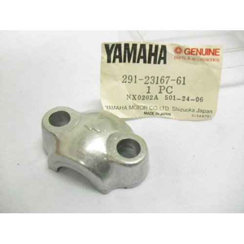 Yamaha DT1 DT2 DT400 YZ100 YZ125 TZ125 XT500 RD200 RD400 Front Fork Axle Holder