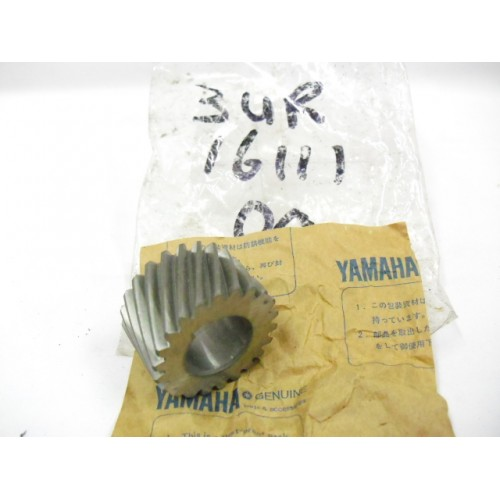 Yamaha Primary Gear Drive 3UR-16111-00 free post